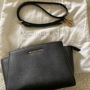Michael Kors Selma Medium Crossbody Bag